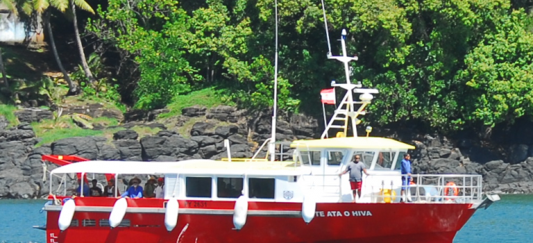 To book a seat on the Te ata o hiva, it's very easy!