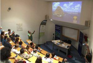 Présentation du projet Te tai nui a hau par Félix Barsinas lors d'une conférence organisée par Pew et la FAPE à Papeete le 8 juin 2018 à l'occasion de la journée mondiale de l'océan